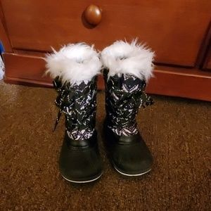 Wonder Nation Black & White Winter Boots